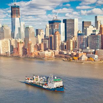 """""""灯光位于曼哈顿,电力来自新泽西"""""""